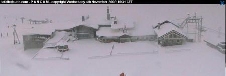 La neige envahit Val d'Isère et sa Folie Douce …
