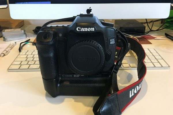 [À VENDRE] Canon 40D + grip + batteries